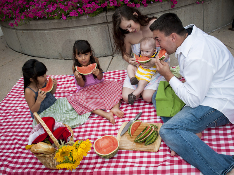 Vacation to Disneyland - 13 Things You'll Wish You Knew: You can bring food into the park